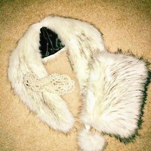 Accessories - Faux Fur Collar & Clutch